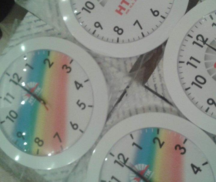 Изготовление часов с логотипом компании