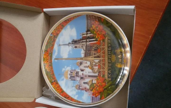 Тарелки сувенирные с фото и лого