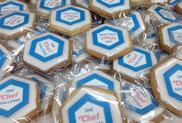 Брендированное фирменное печенье с логотипом компании