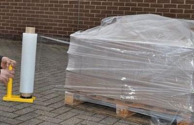 Бережная упаковка пленкой при доставке по России